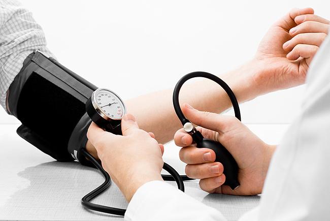 Bluthochdruck: Diagnose und Therapie weltweit verbesserungsbedürftig
