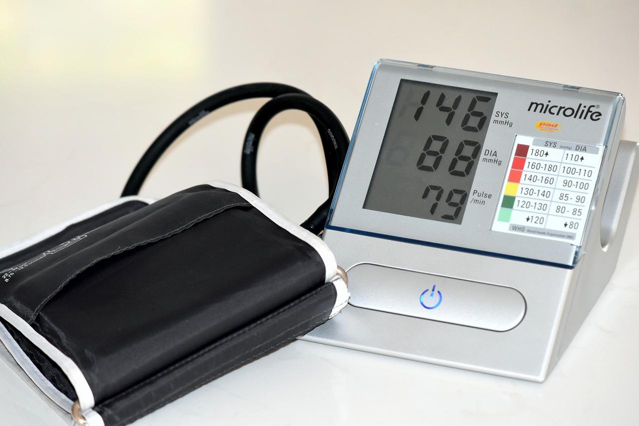 Kann niedriger Blutzucker hohen Blutdruck verursachen?