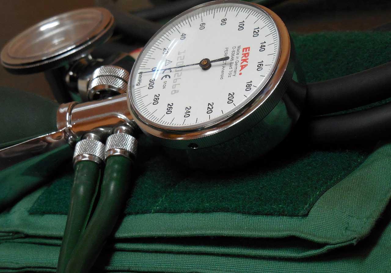Was führt zu Bluthochdruck? Ursachen und Auslöser